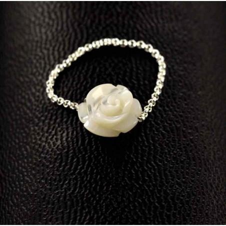 Bague chaînette argent et rose de nacre blanche