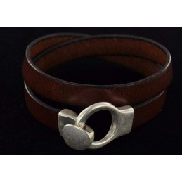 Bracelet en cuir lisse fermoir crochet rond