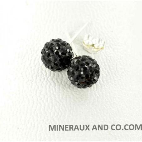 Clous d'oreilles  zirconium noir.