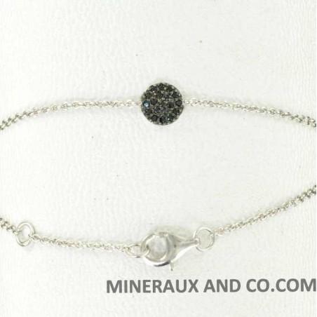 Bracelet chaîne argent 925 et médaille sertie de zirconiums noirs.