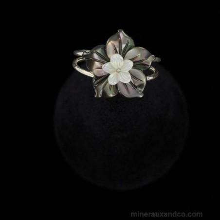 Bague anneau argent 925 fleur de nacre grise et blanche.