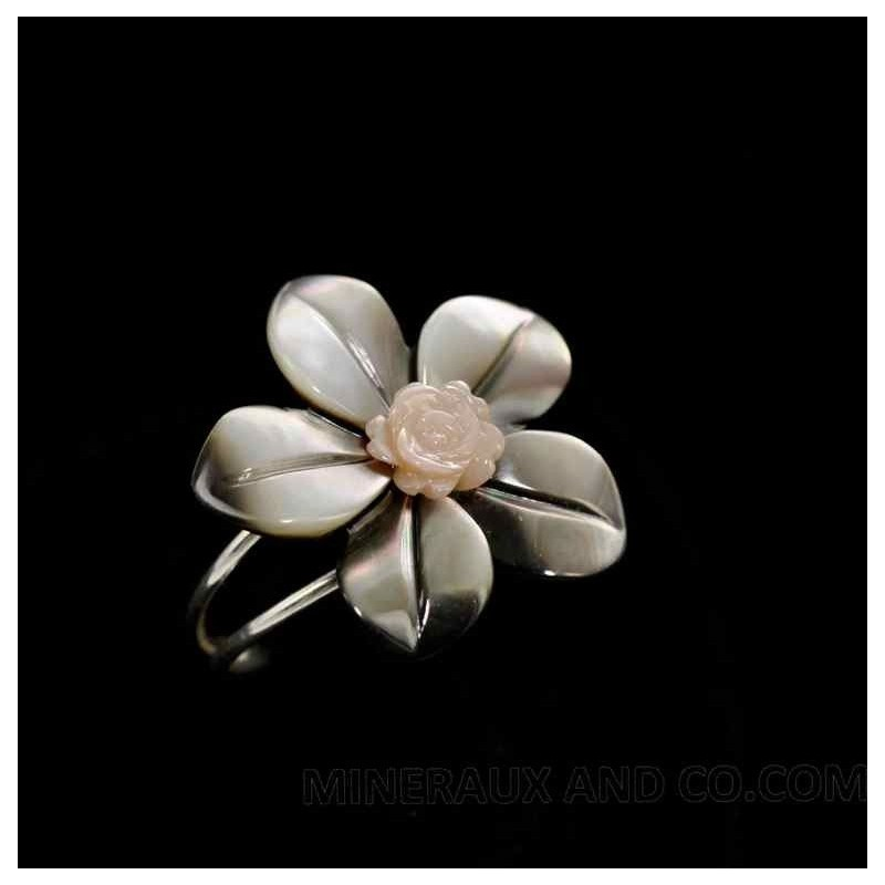 Bague anneau argent 925 fleur de nacre grise et rose.