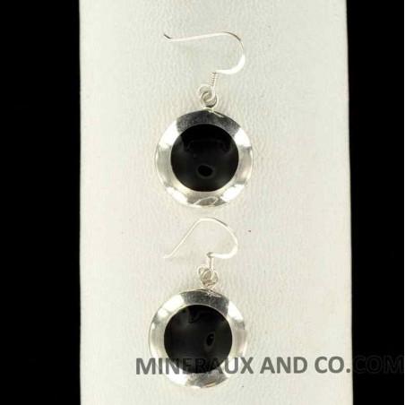Boucles d'oreilles onyx noir serti et argent.