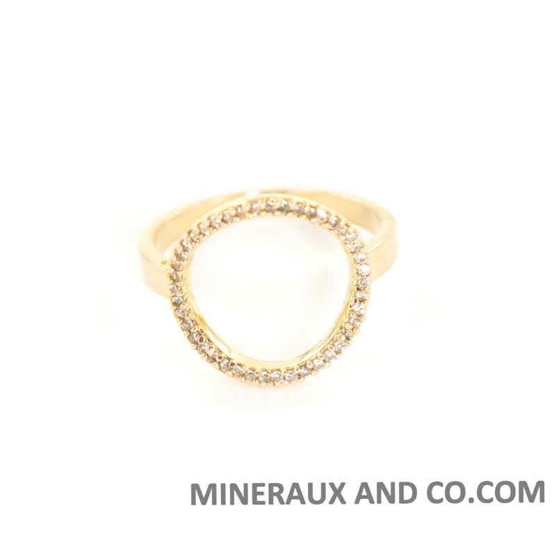 Bague cercle plaquée or zirconiums
