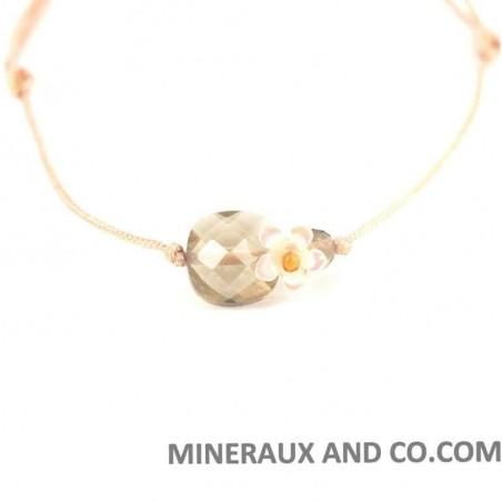 Bracelet quartz fumé facetté et fleur de nacre blanche sur cordon