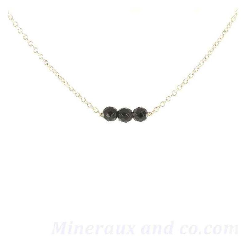 Pendentif chaîne argent 925 et trois perles d'onyx noir.
