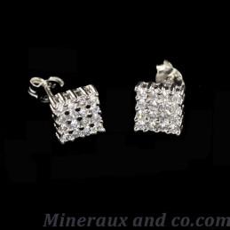Bouton d'oreilles carré zirconiums et argent rodhié.