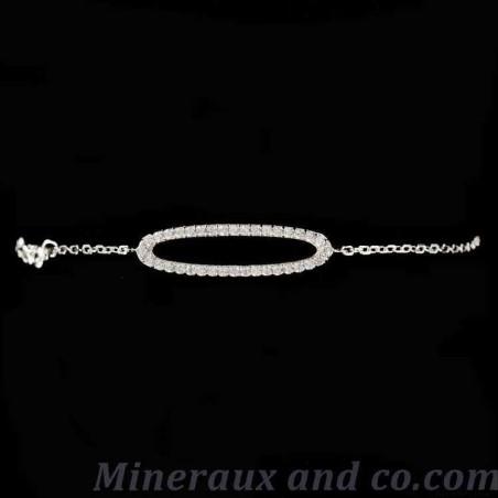 Bracelet ovale serti zirconium.