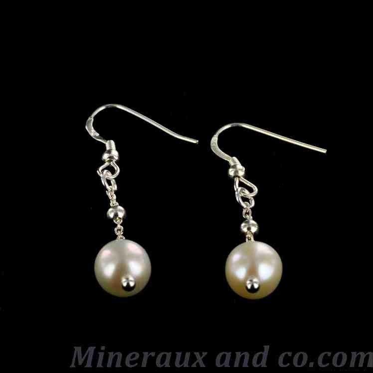 boucles d 39 oreilles perle blanche et cha nettes boucles d 39 oreille. Black Bedroom Furniture Sets. Home Design Ideas