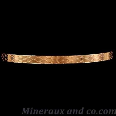 Bracelet plat plaqué écaille serpent.