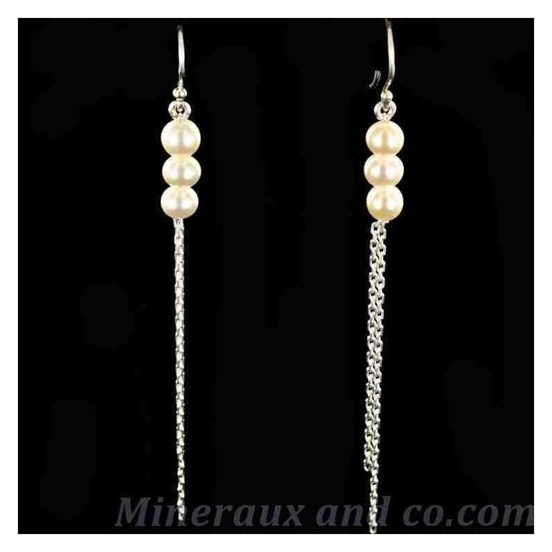 Boucles deux chaînes pendantes et trois perles