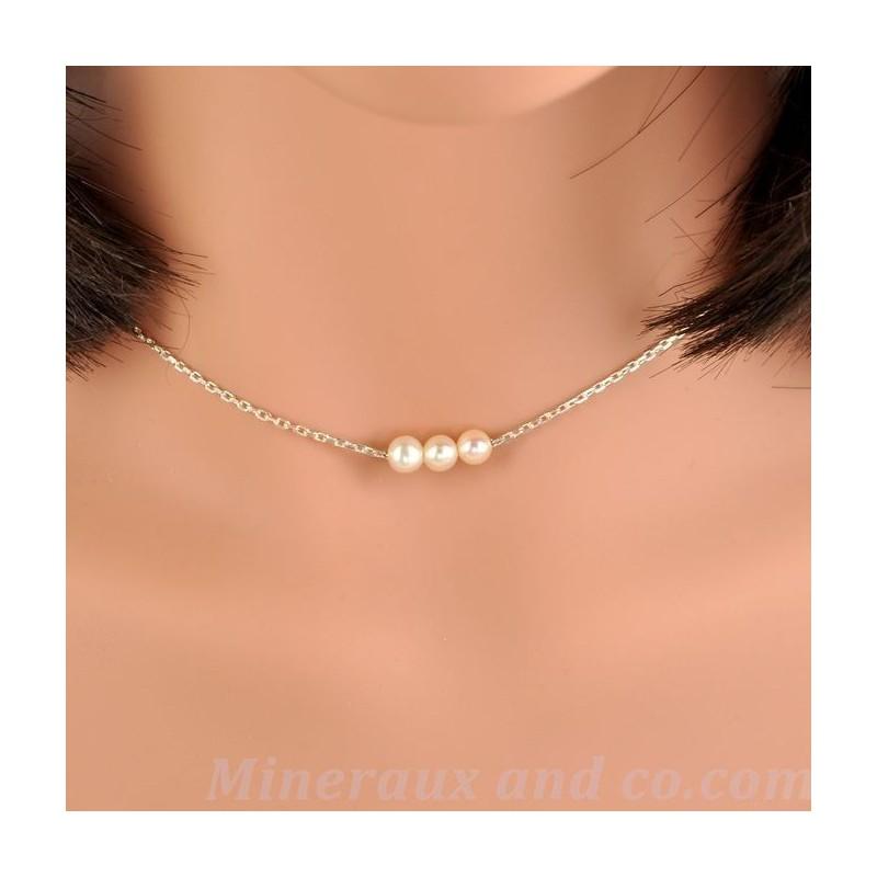 Chaîne argent et trois perles blanches de culture