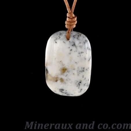 Pendentif en opale dendrite sur cordon coton.