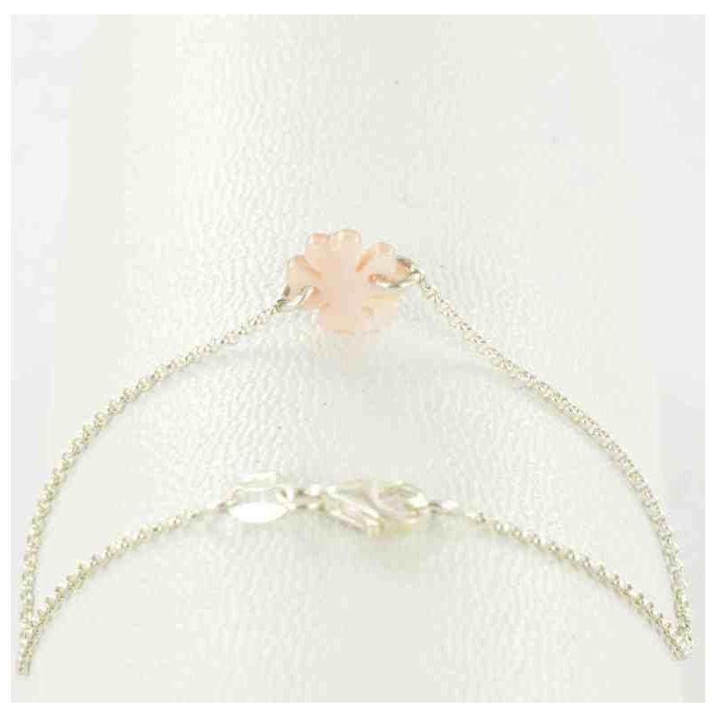 Bracelet argent 925 et trèfle de nacre rose.