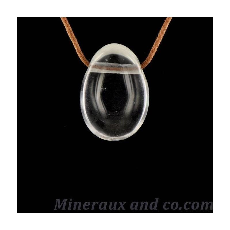 Pendentif en quartz avec cordon coton.