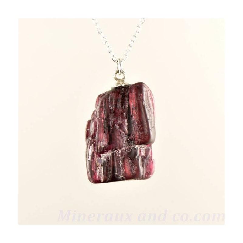 Pendentif pierre tourmaline rose brute