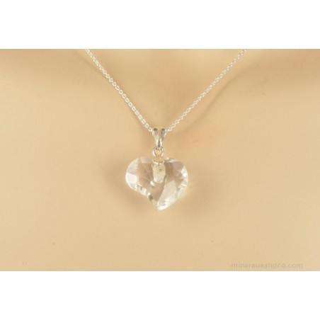 Pendentif chaîne argent 925 et coeur en cristal de roche facetté.