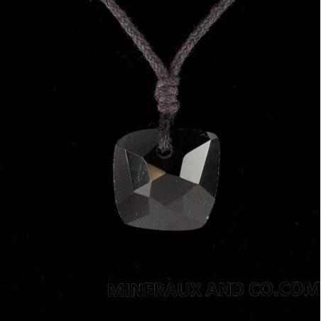 Pendentif carré d'onyx noir