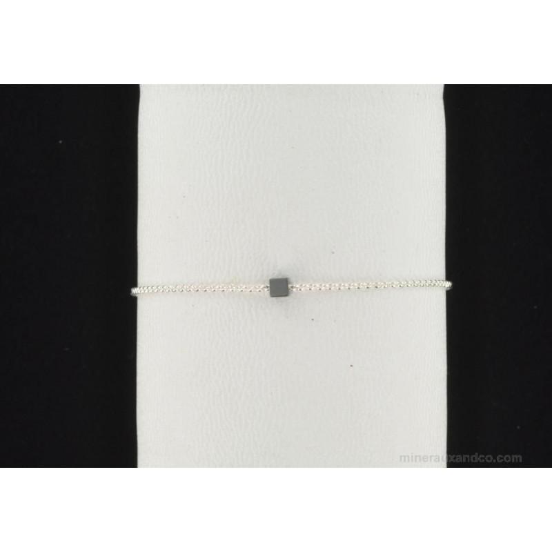 Bracelet chaîne argent 925 et pierre carrée en hématite.