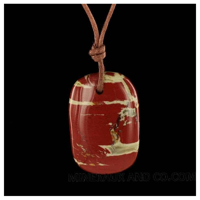 Pendentif jaspe rouge en pierre roulée sur cordon coton.