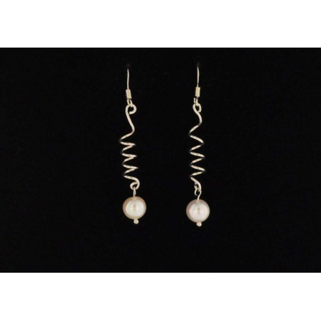 Boucles d'oreilles tortillons argent 925 et perles de culture ovales.