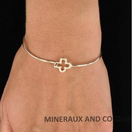 Bracelet jonc croix argent.